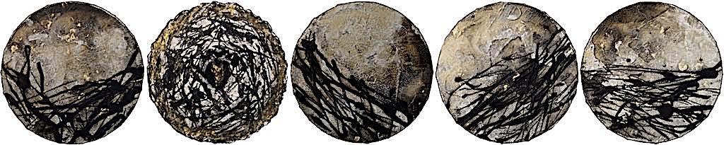Reliquiario, 2015, tecnica mista su tela, polittico, 5 pezzi Ø cm. 20 cadauno
