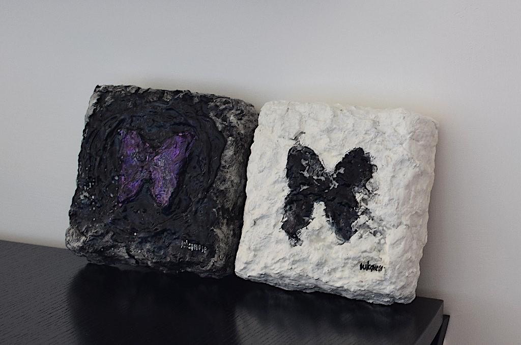Reperti (far/falla) 1 e 2, 2017,sculture polimateriche, cm. 15x15x5